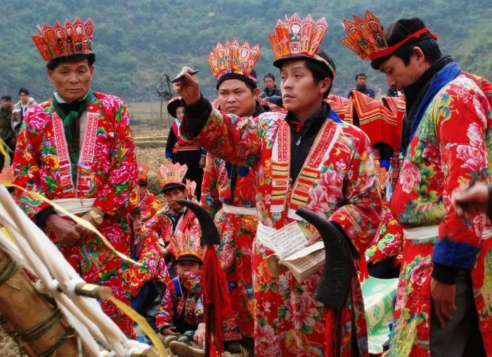 Cùng các lễ hội truyền thống mang nét riêng của các tộc người