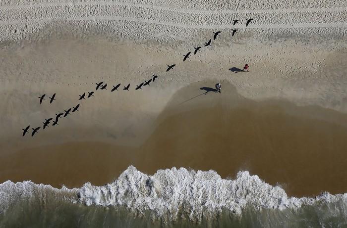 Thành phố này có hơn 80 km đường bờ biển với dòng nước ấm áp quanh năm.