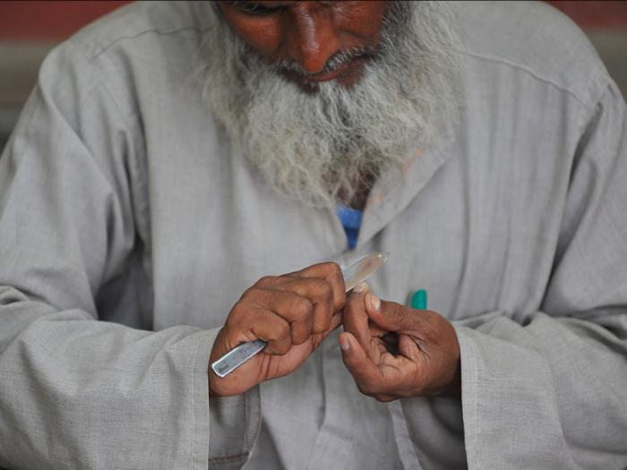 Nhiều nơi như Hàn Quốc, Ấn Độ, Thổ Nhĩ Kỳ... có quan niệm cắt móng tay vào ban đêm sẽ đem lại điềm không may mắn.