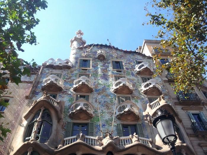 Casa Batllo là một trong những tác phẩm nổi tiếng của kiến trúc sư đại tài Tây Ban Nha, Antoni Gaudi