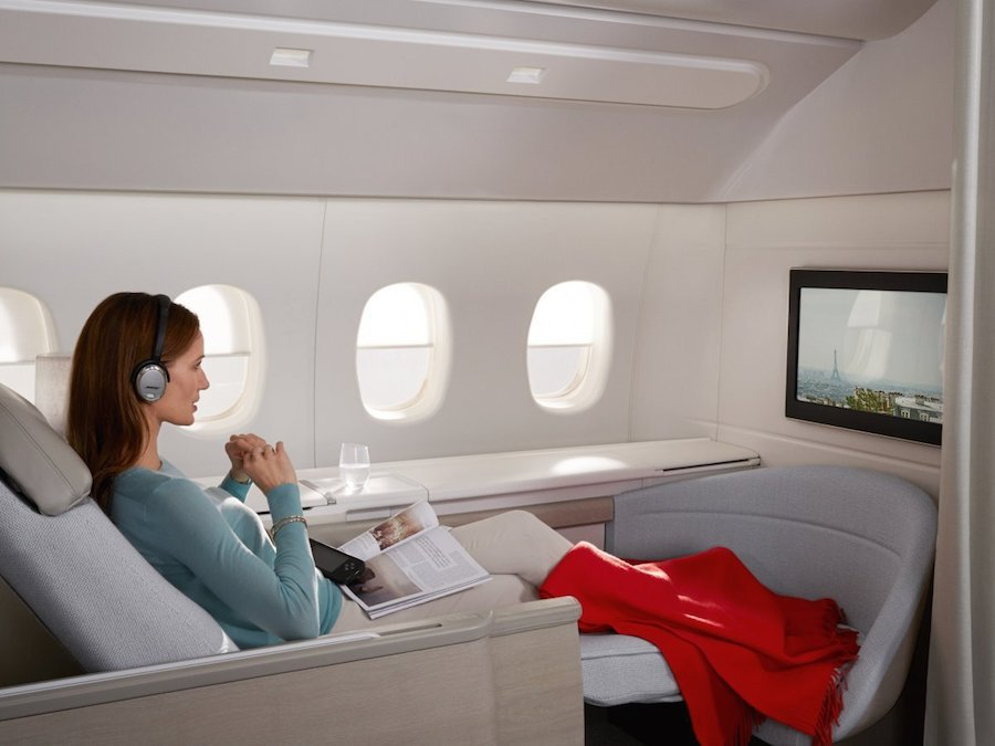 AirFrance cung cấp chỗ ngồi rộng rãi với ghế ngả thành giường. Hành khách có thể thoải mái nghỉ ngơi và xem những bộ phim yêu thích