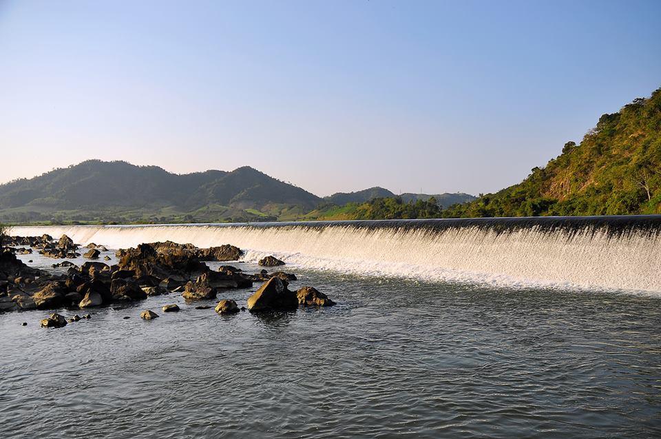 Đập nước Đồng Cam