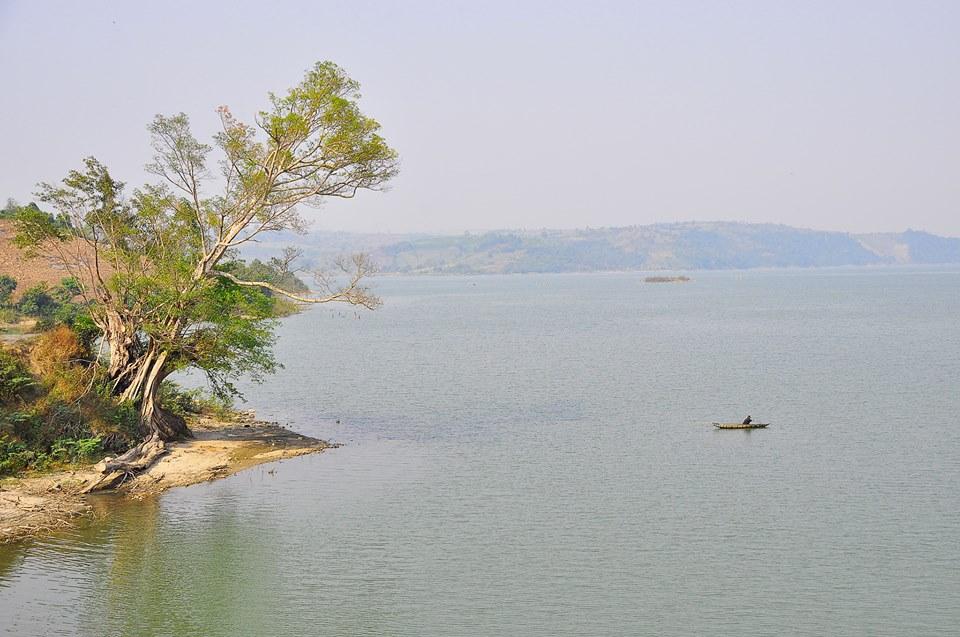 Hồ thủy điện sông Hinh