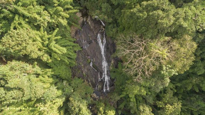 Thác Tà Ngào ẩn mình giữa chốn rừng núi hoang sơ