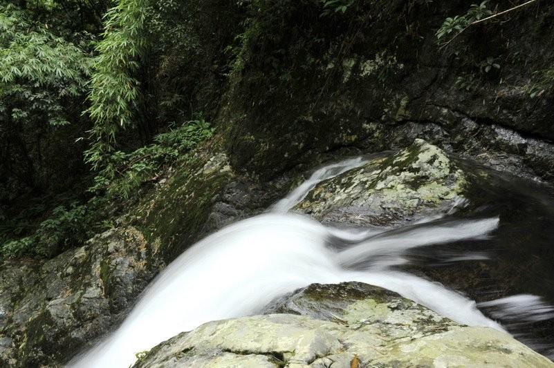 Nước chảy đẹp tựa áng tóc mượt mà của nàng tiên nữ