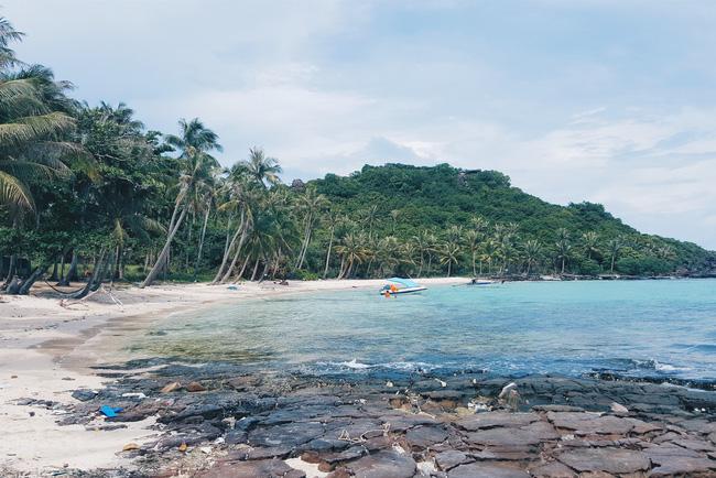 Một hòn đảo đẹp nhưng cũng trải qua rất nhiều khắc nghiệt. -Ảnh: Nguyễn Đức Hào