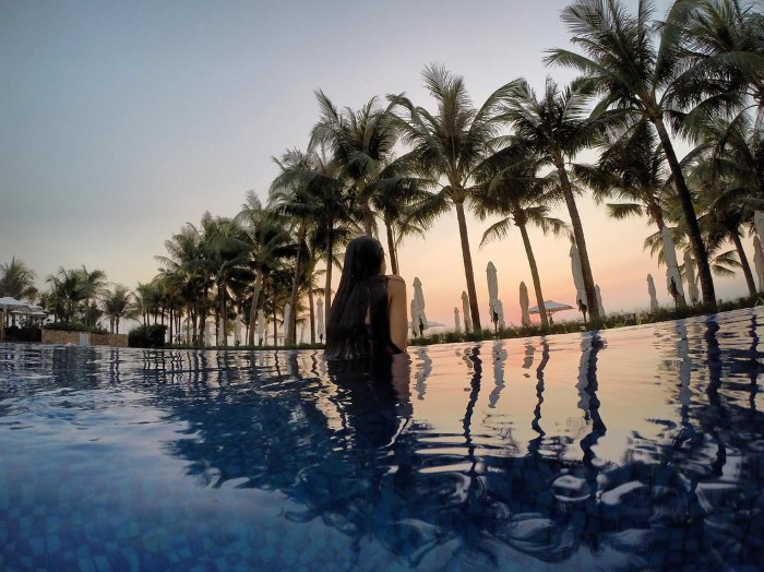 Vẻ đẹp của hồ bơi Salinda- Ảnh: uyenphung_