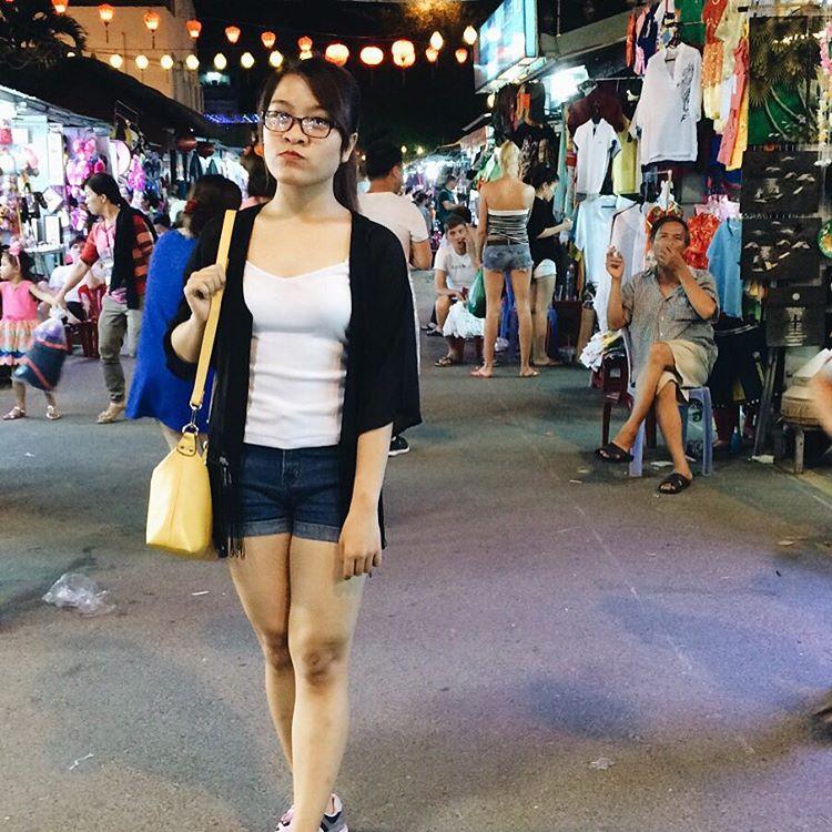 Phố đi bộ Nha Trang lung linh trong đêm - Ảnh: @lanhuongnguyen1810