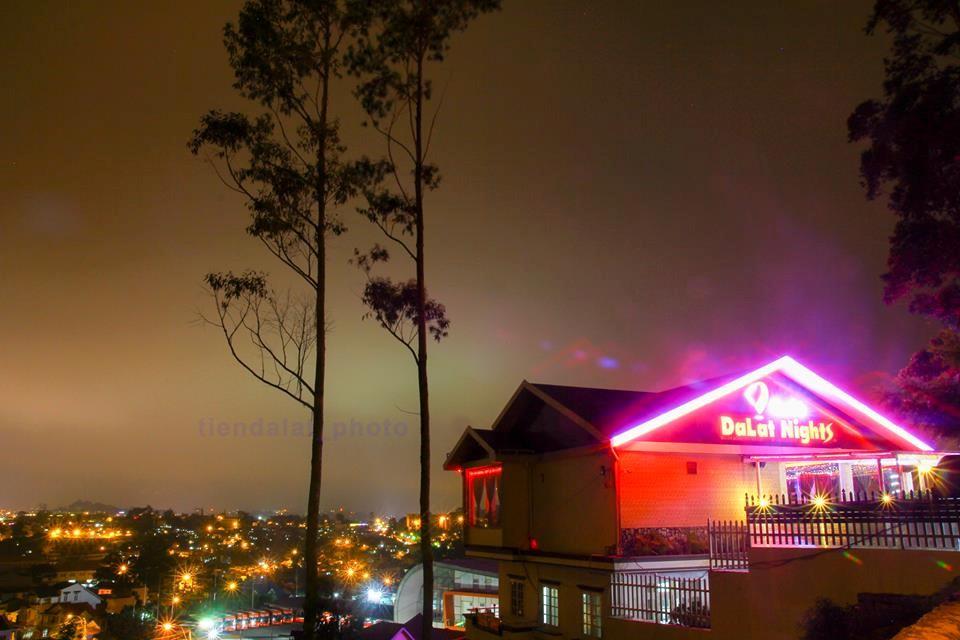 Quán cafe Đà Lạt night với view thành phố rất đẹp