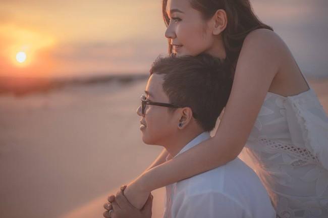 Những bộ ảnh cưới đẹp xuất sắc khi các cặp đôi nước ngoài sang Việt Nam chụp - Ảnh 2.