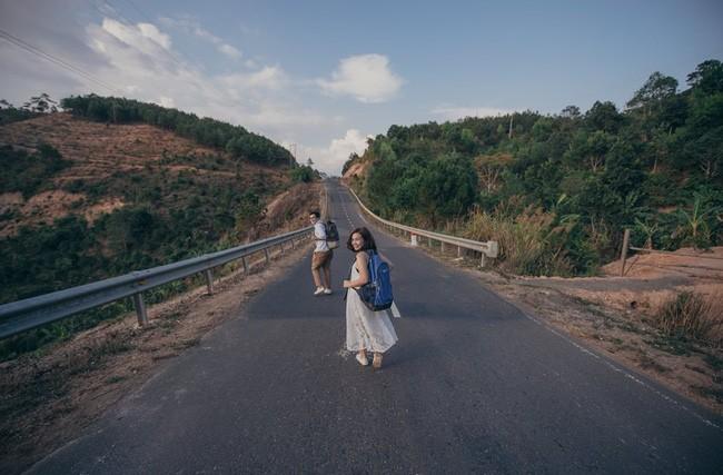 Những bộ ảnh cưới đẹp xuất sắc khi các cặp đôi nước ngoài sang Việt Nam chụp - Ảnh 3.