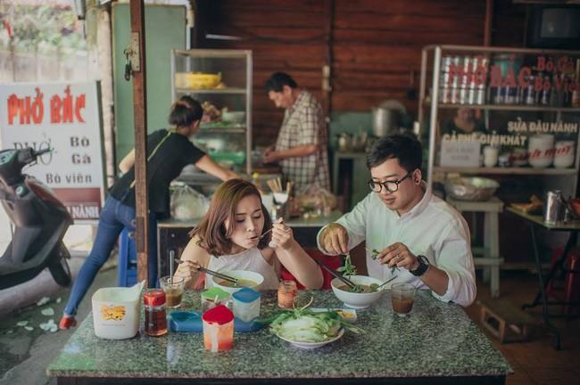 Những bộ ảnh cưới đẹp xuất sắc khi các cặp đôi nước ngoài sang Việt Nam chụp - Ảnh 12.