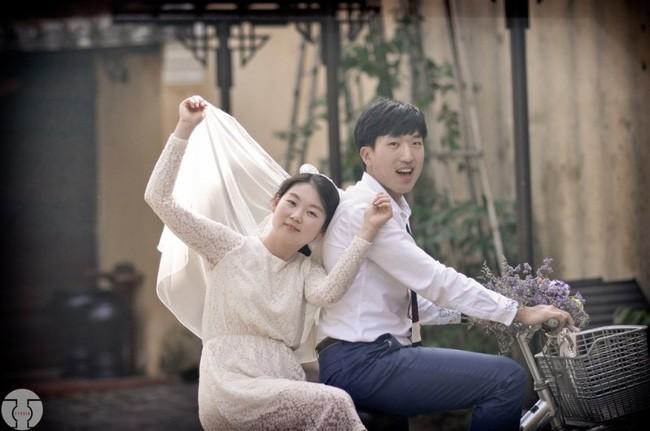 Những bộ ảnh cưới đẹp xuất sắc khi các cặp đôi nước ngoài sang Việt Nam chụp - Ảnh 13.