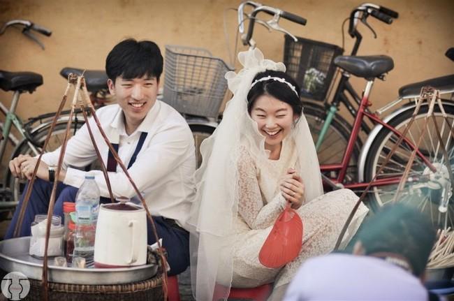Những bộ ảnh cưới đẹp xuất sắc khi các cặp đôi nước ngoài sang Việt Nam chụp - Ảnh 14.
