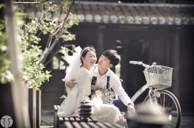 Những bộ ảnh cưới đẹp xuất sắc khi các cặp đôi nước ngoài sang Việt Nam chụp - Ảnh 16.