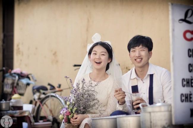 Những bộ ảnh cưới đẹp xuất sắc khi các cặp đôi nước ngoài sang Việt Nam chụp - Ảnh 19.