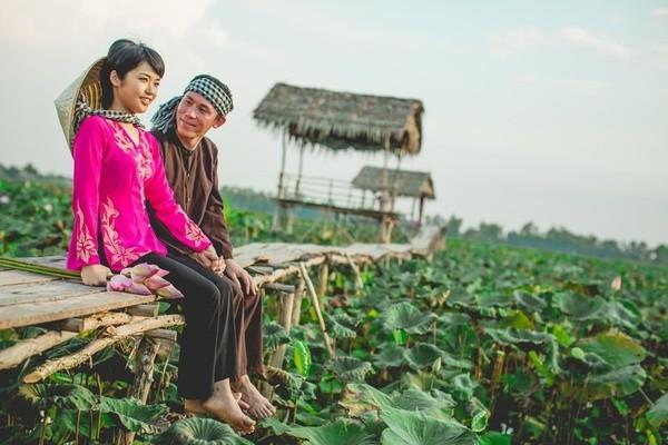 Những bộ ảnh cưới đẹp xuất sắc khi các cặp đôi nước ngoài sang Việt Nam chụp - Ảnh 21.