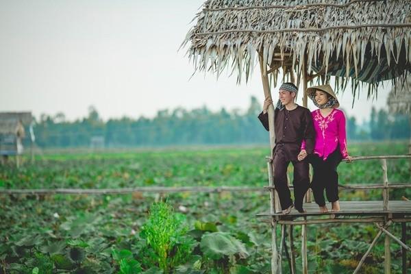 Những bộ ảnh cưới đẹp xuất sắc khi các cặp đôi nước ngoài sang Việt Nam chụp - Ảnh 22.