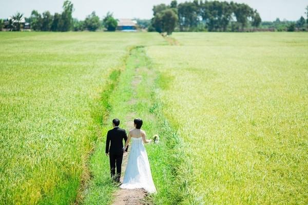 Những bộ ảnh cưới đẹp xuất sắc khi các cặp đôi nước ngoài sang Việt Nam chụp - Ảnh 29.