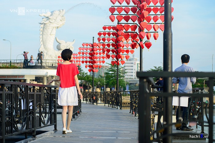 Ngay từ khi mới khánh thành năm 2015, cầu tàu tình yêu đã thu hút nhiều du khách.