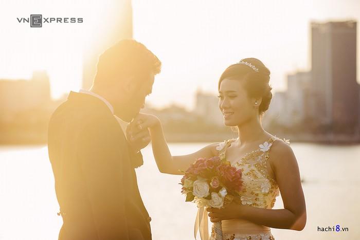 Khung cảnh lãng mạn, trữ tình, thơ mộng... là nơi để các đôi trai gái ghi lại khoảnh khắc trọng đại của đời người.
