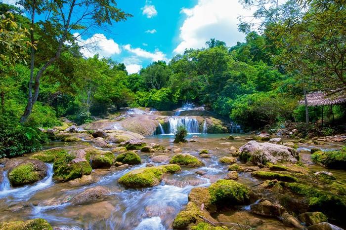 Khung cảnh kỳ vĩ, thơ mộng và quyến rũ ở thác Đăng Mò