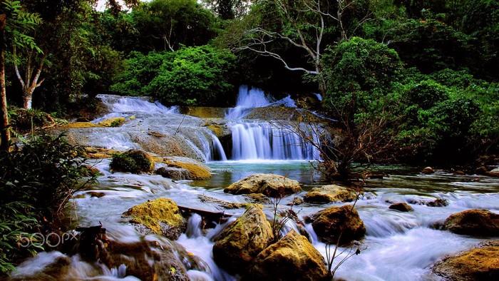 Kiệt tác thiên nhiên tuyệt mỹ giữa núi rừng hoang sơ