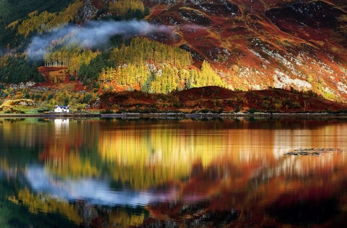 Mùa thu ở Scotland, theo đánh giá của nhiều du khách, đẹp như những bức tranh trong chuyện cổ tích. Một trong những điểm đến đông khách du lịch ở quốc gia này là Glasgow, Edinburgh...
