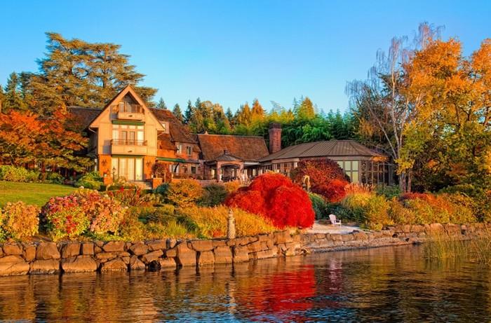 Khung cảnh mùa thu ở Seattle, Washington, Mỹ cũng nhận được nhiều lời khen ngợi từ du khách. Đây là thành phố lớn nhất bang Washington và vùng tây bắc Thái Bình Dương của Mỹ.