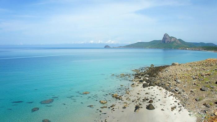 Một trong những bãi biển đẹp mê hồn trên Côn Đảo