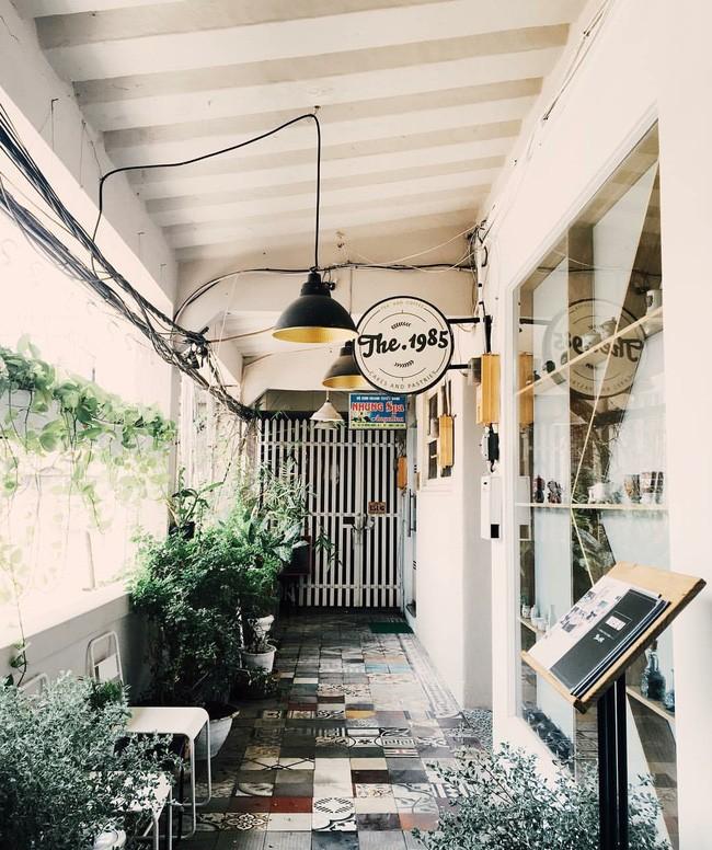 Update ngay danh sách những quán cafe đang được giới trẻ Sài Gòn check-in liên tục - Ảnh 35.