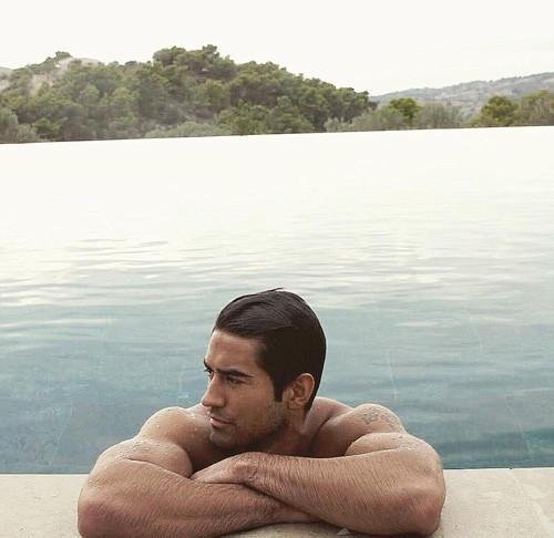 Chàng trai được mệnh danh là Du khách nóng bỏng nhất Instagram Jeremy Jauncey