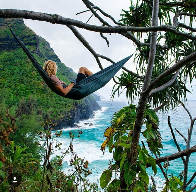 Trai đẹp được mệnh danh là Du khách sexy nhất Instagram kiếm bộn tiền nhờ đi du lịch - Ảnh 2.