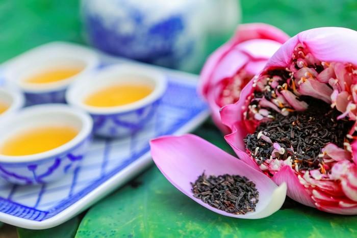 Để hương trà thơm lừng mùi vị của sen