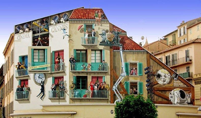 Nhiều du khách cho biết lần đầu khi nhìn thấy ngôi nhà, họ cứ ngỡ như các chi tiết trên tường là thật chứ không phải tạo nên nhờ bột màu.