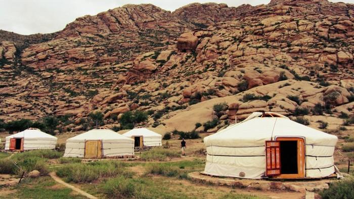 Nhưng điều ấn tượng nhất ở Tanyoli là những trại Mông Cổ mô phỏng cuộc sống du mục trên thảo nguyên