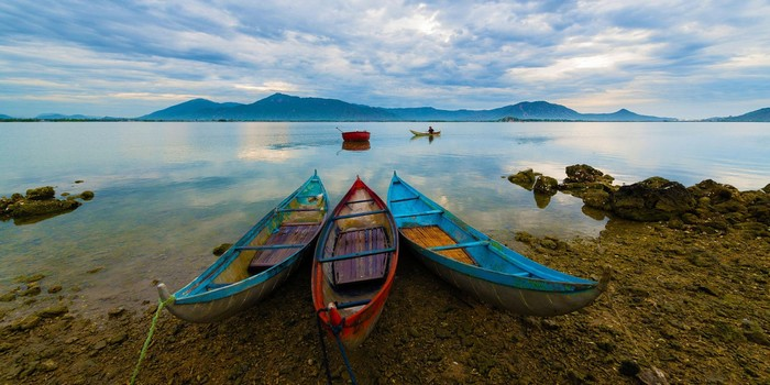 Hay dong thuyền ra biển trải nghiệm cuộc sống của ngư dân