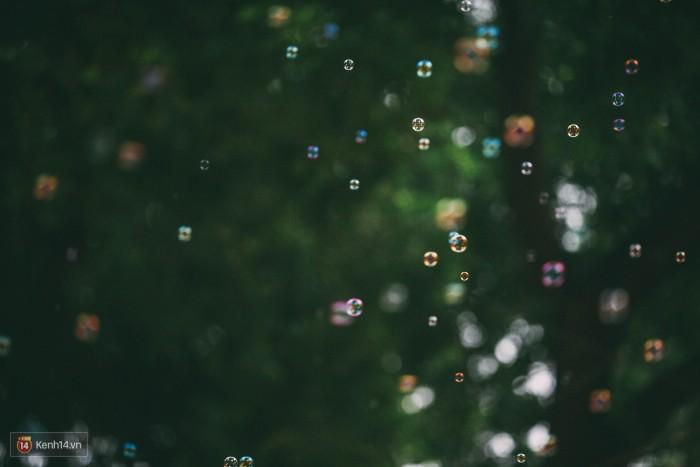 Phố Hàng Mã lung linh bong bóng.