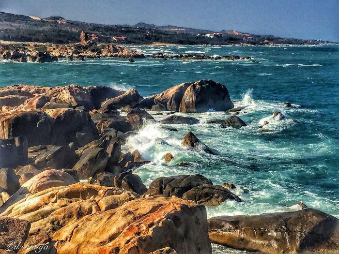 Mũi Kê Gà giữa sóng biển