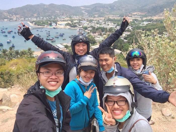 Với những người ưa mạo hiểm, chuyến du lịch không thể thiếu nắng gió và bụi đường