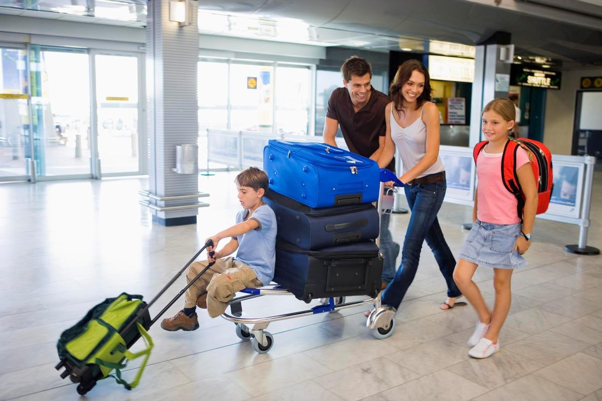 Nên phân ra nhiều hành lý để tiện ký gửi hoặc xách tay