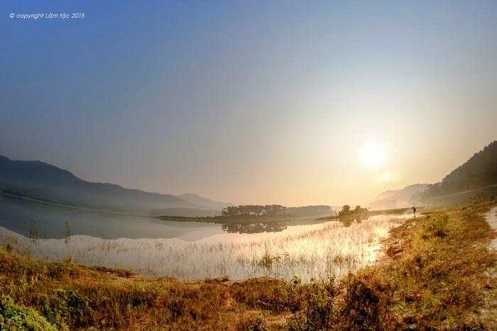 Hồ Yên Trung đẹp quyến rũ, mê hoặc lòng người