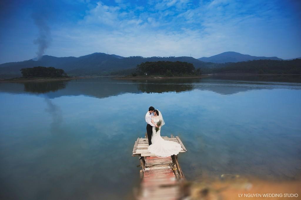 Hồ Yên Trung lưu giữ khoảnh khắc nồng nàn lãng mạn của đôi lứa