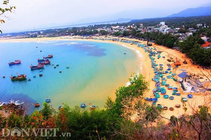 Làng chài Xuân Hải nằm ở thị xã Sông Cầu xứ 'Hoa vàng cỏ xanh'