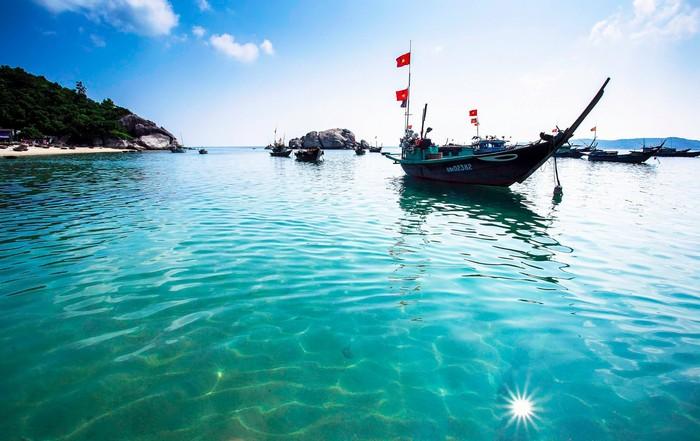 Cù Lao Chàm nước trong xanh như gương