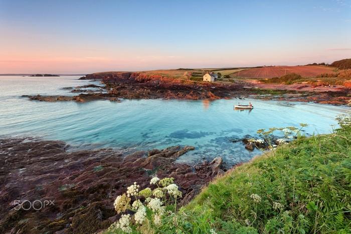 Một góc bờ biển quận Pembrokeshire thanh bình