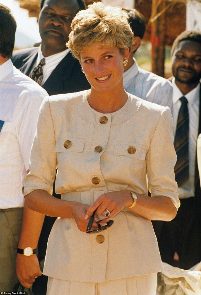 Căn nhà nằm trong khu bất động sản Althorp, cách London hơn 100 km,cũng là nơi an nghỉ của Công nương Diana sau khi bà qua đời năm 1997 tại Paris.