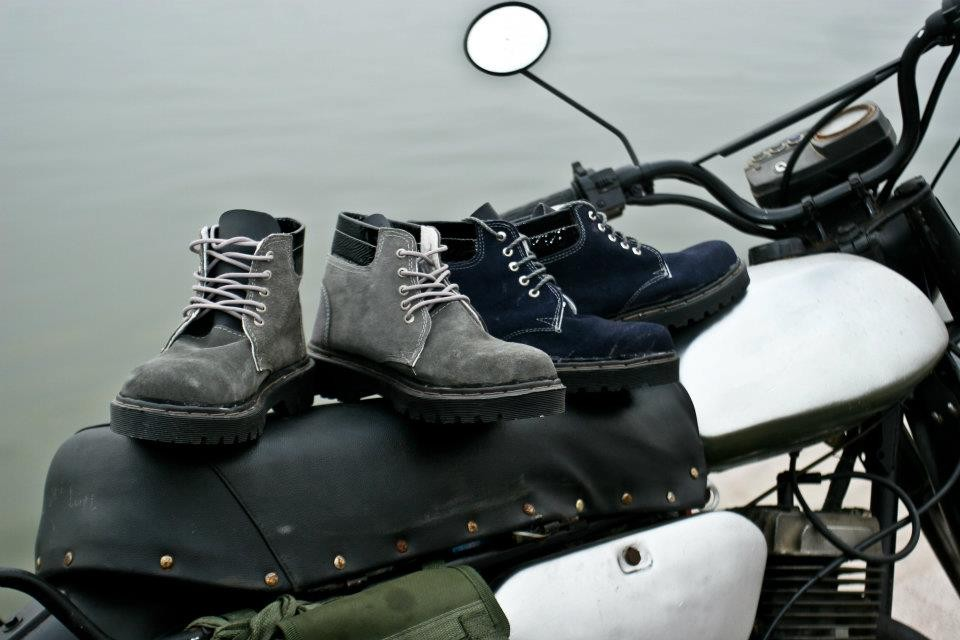 Giày dép chống nước luôn sẽ càng tuyệt vời nhé