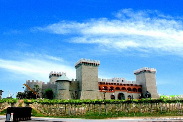 Lâu đài rượu vang cũng là một điểm chụp hình sống ảo không thể bỏ qua ở Phan Thiết