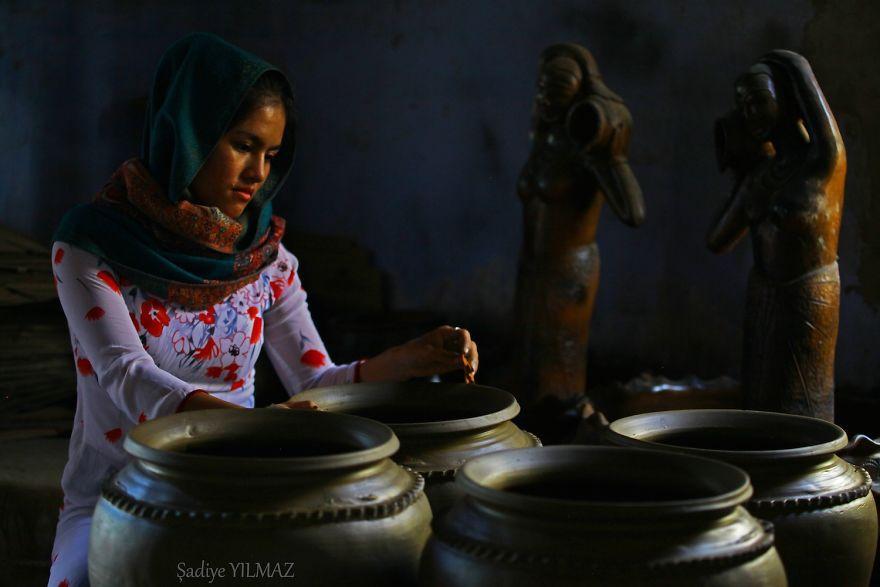 Cô gái Chăm ở Phan Rang được chụp bởi Sadiye Yilmaz.